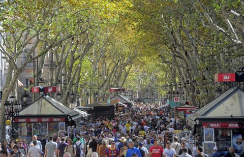barcelona-tourist-la-ramblas