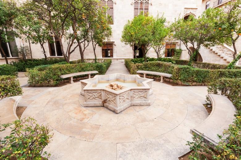 patio-de-los-naranjos-orange-tree-patio-780x520